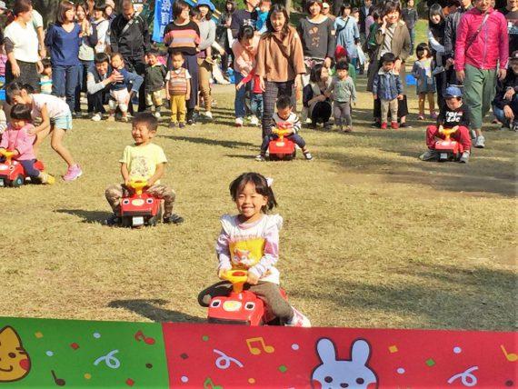 ぶーぶー・車こぎレース (2~3歳)